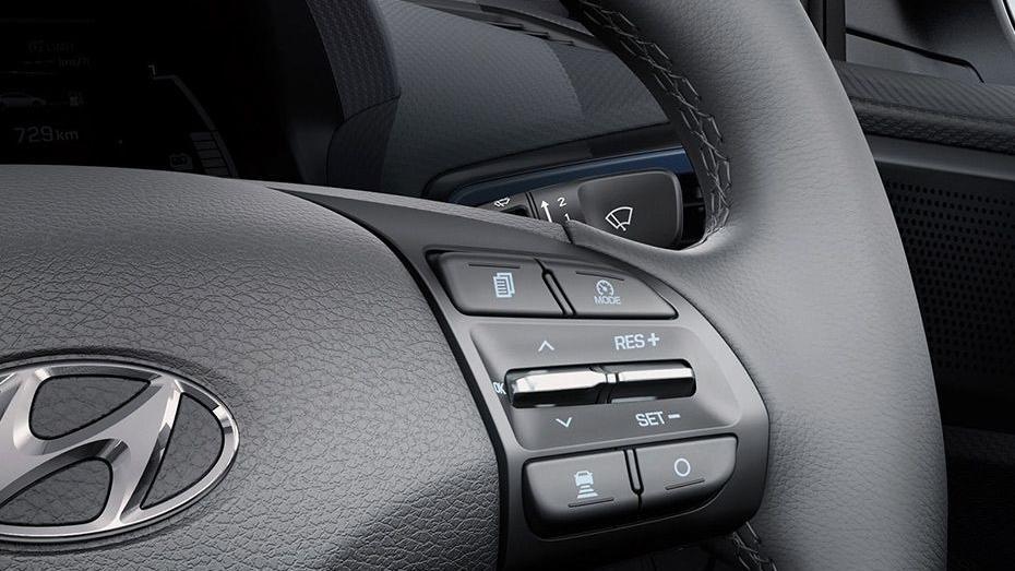 Hyundai Ioniq (2018) Interior 004