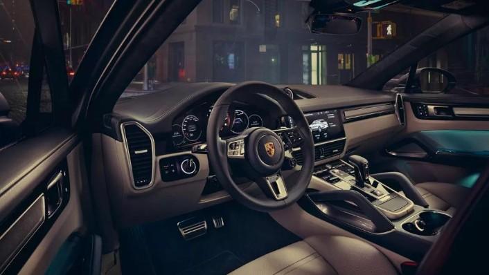 Porsche Cayenne Coupé (2019) Interior 003