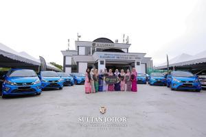 Sultan Johor kurnia 10 buah Perodua Myvi kepada jururawat secara percuma