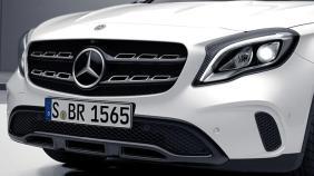 Mercedes-Benz GLA (2018) Exterior 012