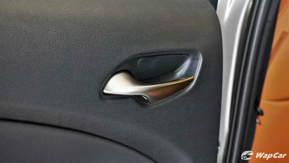 2020 Lexus UX 200 Luxury Interior 050
