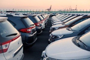 Economist calls to lift import and excise duties on CBU cars in Malaysia