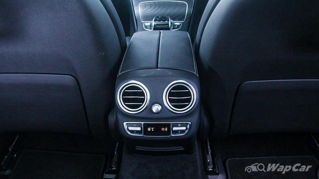 2018 Mercedes-Benz C-Class C 300 AMG Line Interior 037