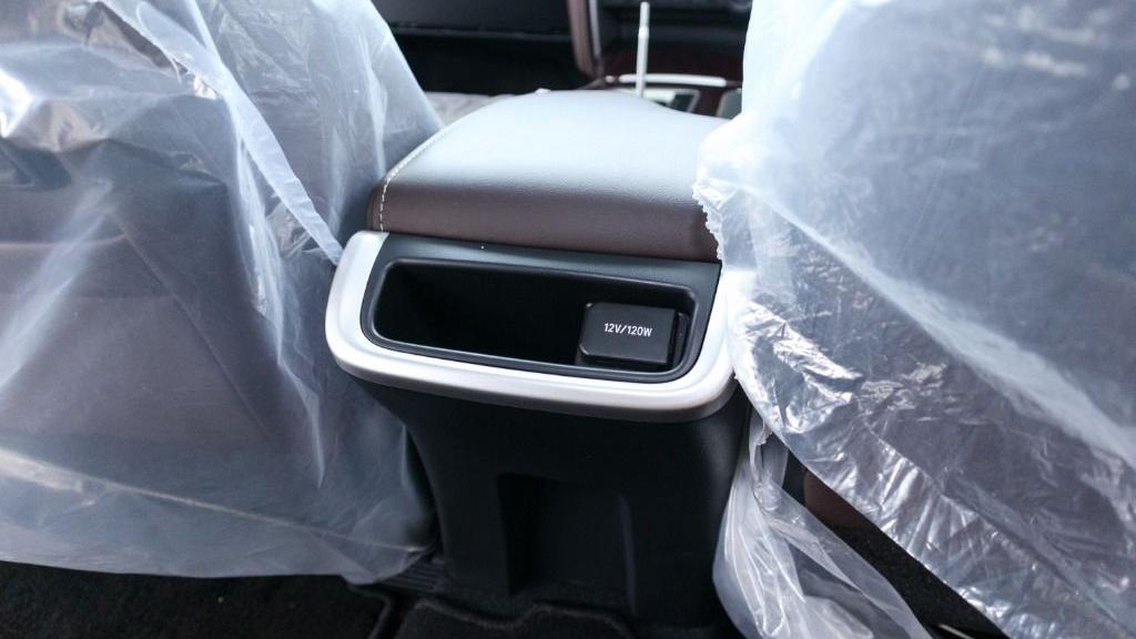 2018 Toyota Fortuner 2.7 SRZ AT 4x4 Interior 028