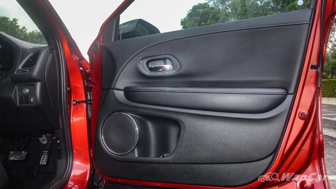 2019 Honda HR-V 1.8 RS Interior 097