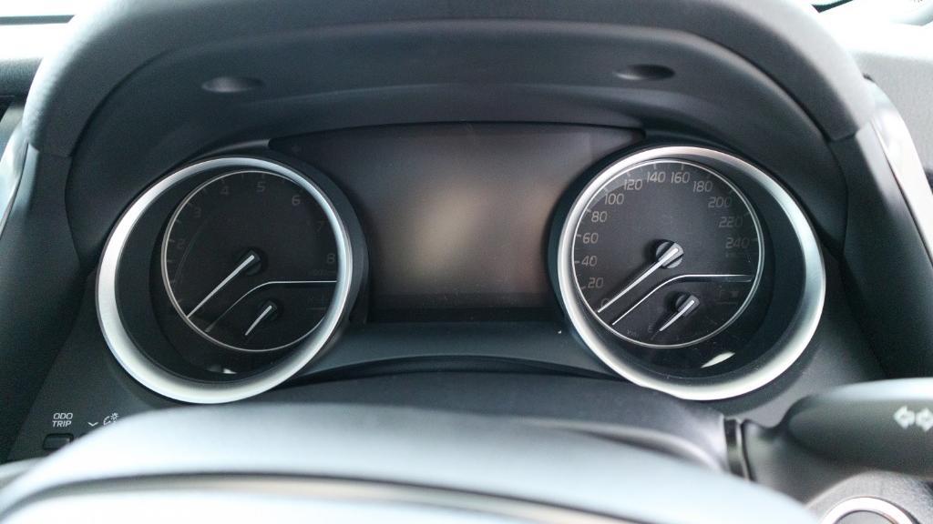 2019 Toyota Camry 2.5V Interior 012