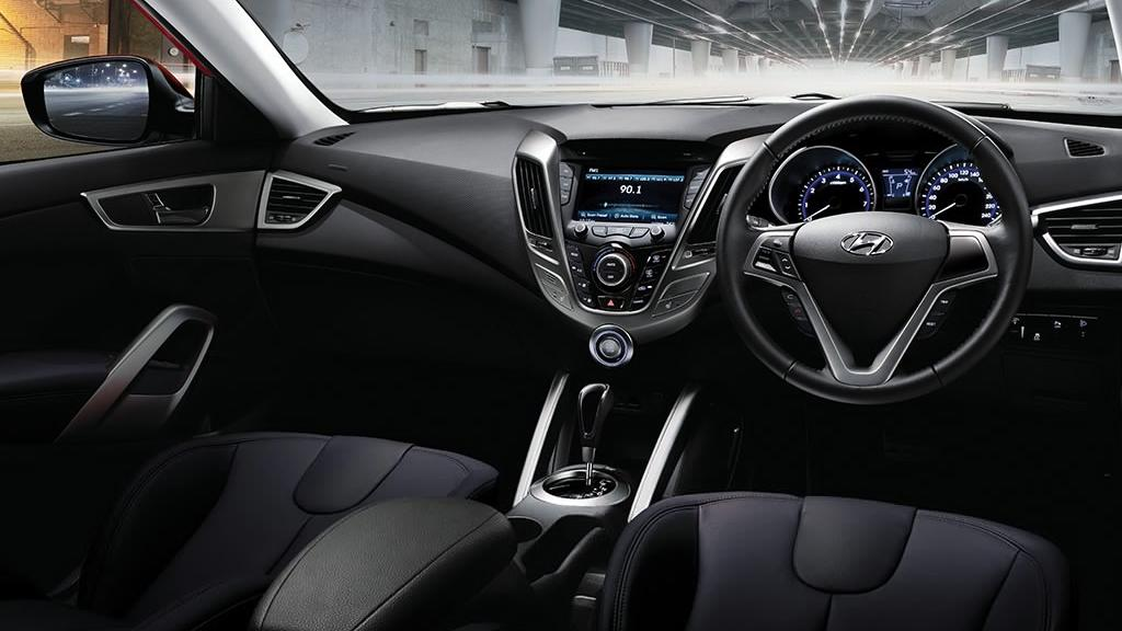 Hyundai Veloster (2017) Interior 001
