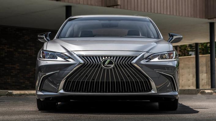 2021 Lexus ES 250 Limited Edition Exterior 010