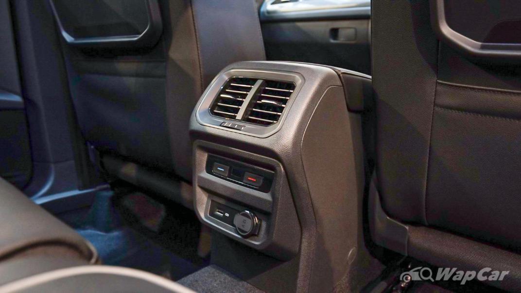 2020 Volkswagen Tiguan Allspace 2.0TSI R-Line Interior 007
