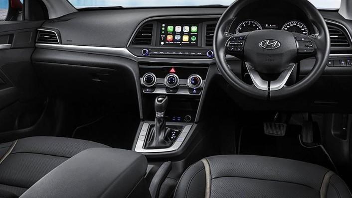Hyundai Elantra (2018) Interior 001