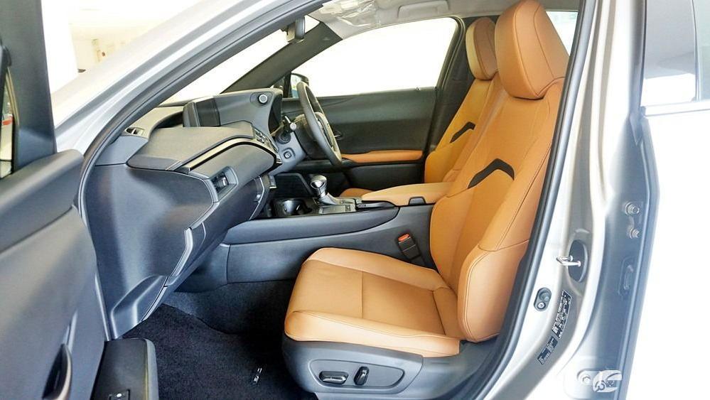 2020 Lexus UX 200 Luxury Interior 038