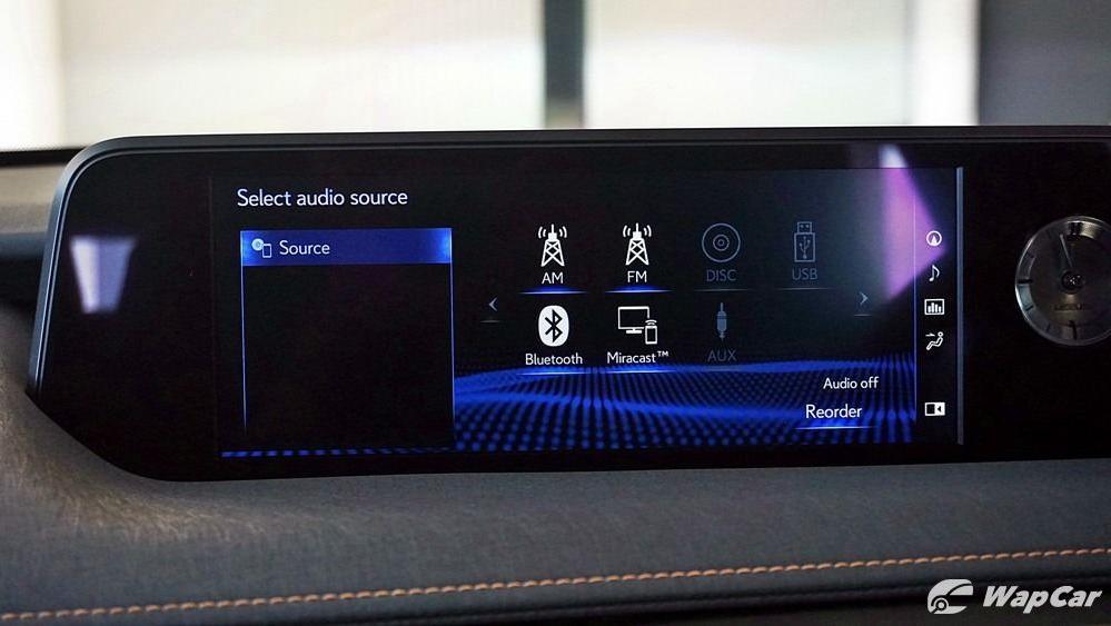 2020 Lexus UX 200 Luxury Interior 016