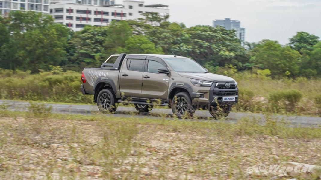 2020 Toyota Hilux Double Cab 2.8 Rogue AT 4X4 Exterior 055