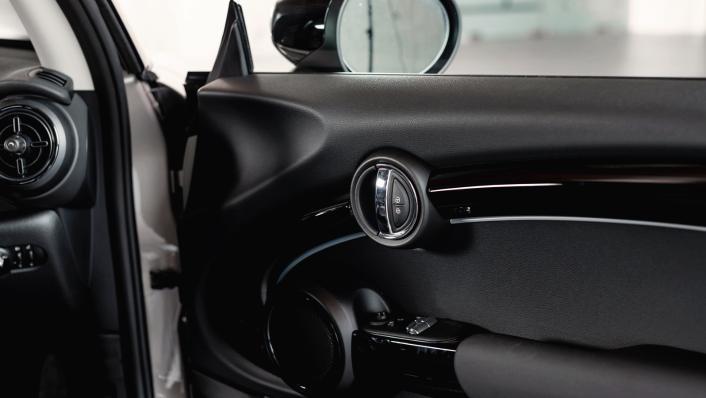2021 MINI 3 Door Cooper S Interior 009
