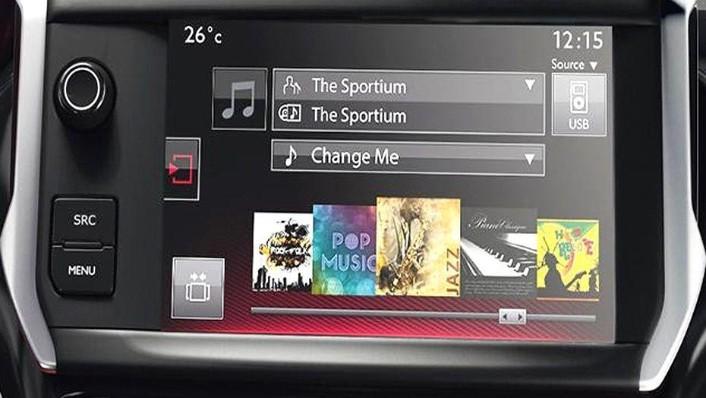 Peugeot 208 (2018) Interior 002