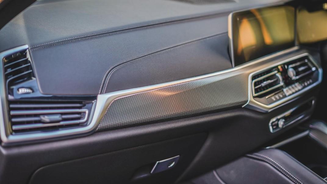 2020 BMW X6 xDrive40i M Sport Interior 010