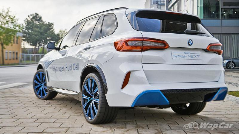 This BMW X5 FCEV is built using Toyota's tech 02
