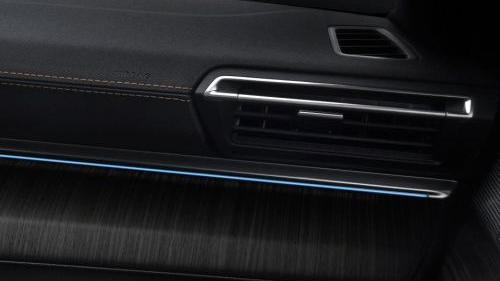 Peugeot 508 GT (2019) Interior 004