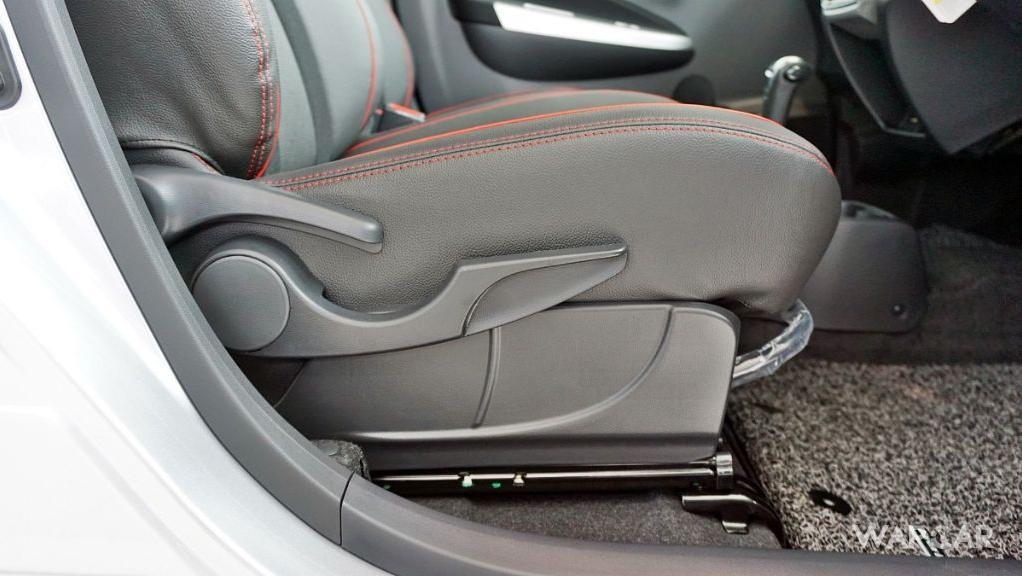 2019 Perodua Axia AV 1.0 AT Interior 064