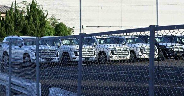 Spied: All-new 2022 Toyota Land Cruiser 300 is a boxy Ninja King with up to 420 PS! 02