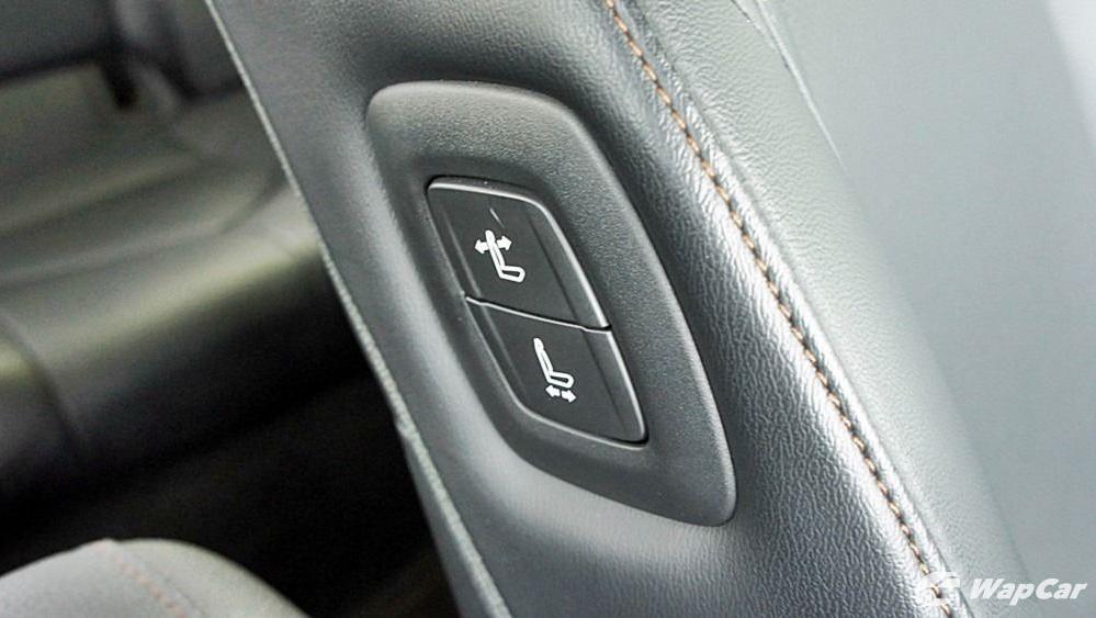 2019 Toyota Camry 2.5V Interior 130