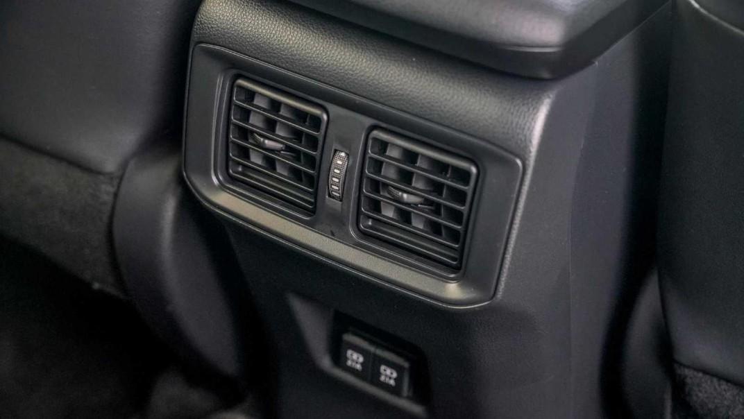 2020 Toyota RAV4 2.5L Interior 024