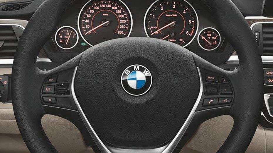 BMW 3 Series (2019) Interior 009