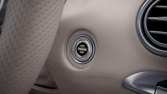 Mercedes-Benz S-Class Cabriolet (2018) Interior 006
