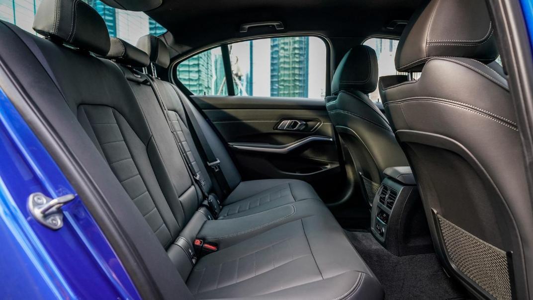 2020 BMW 3 Series 330e Interior 014