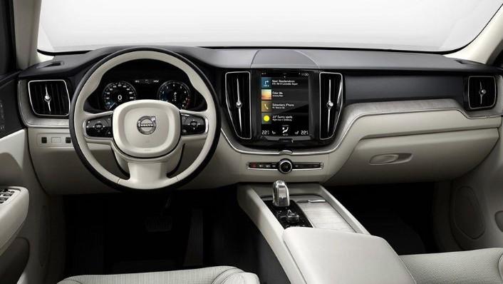 Volvo XC60 (2018) Interior 001
