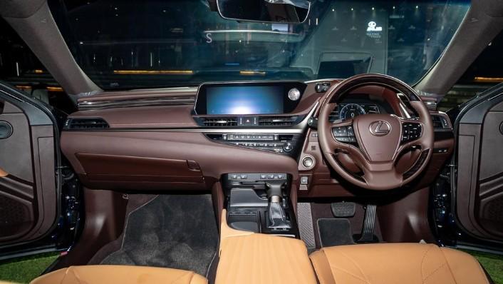 2019 Lexus ES 250 Luxury Interior 001