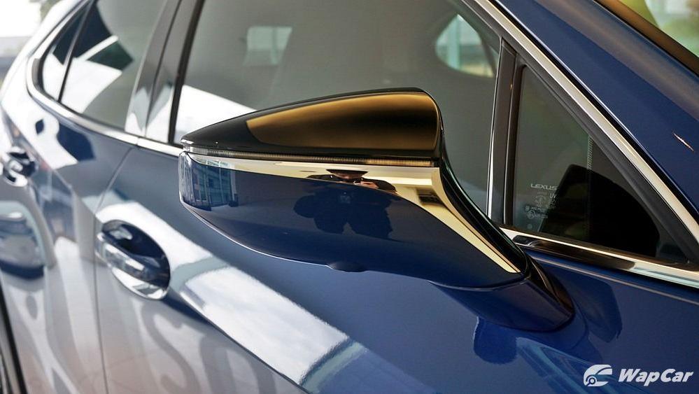 2020 Lexus UX 200 Luxury Exterior 046