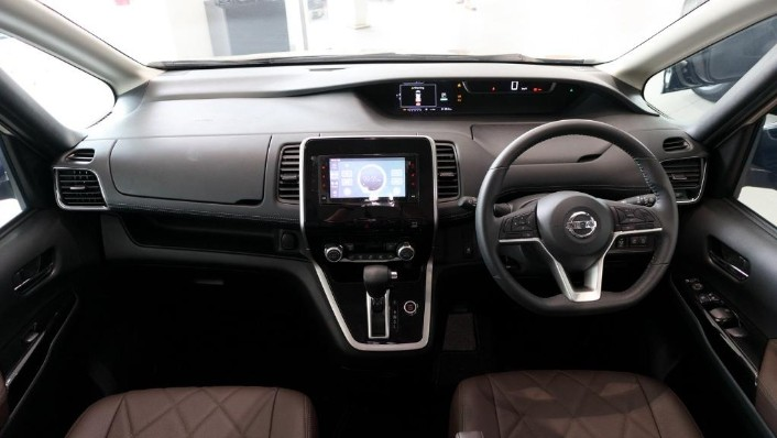 2018 Nissan Serena S-Hybrid Highway Star 2.0 Interior 001
