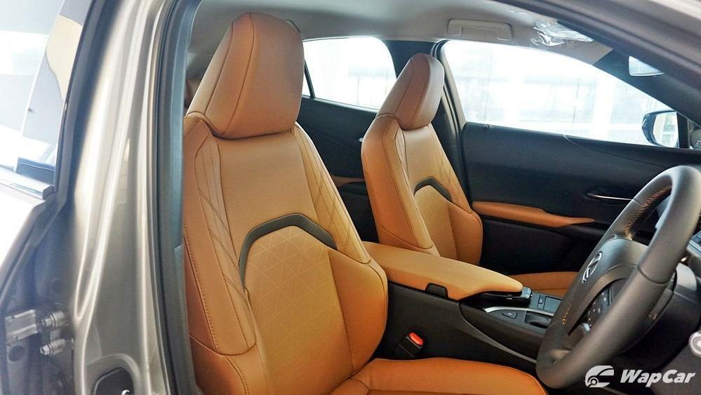 2020 Lexus UX 200 Luxury Interior 037