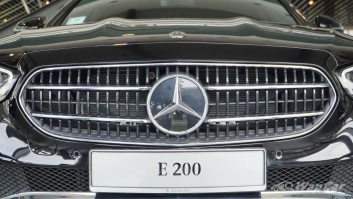 2021 Mercedes-Benz E-Class E200 Avantgarde Exterior 010