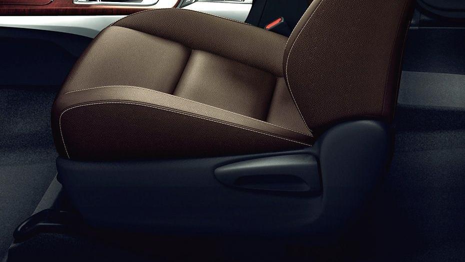 Toyota Fortuner (2018) Interior 014