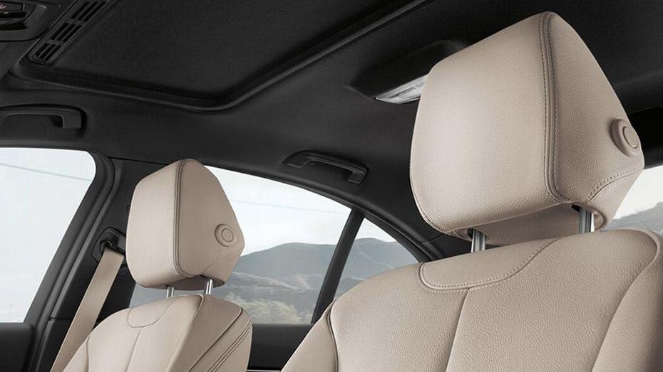 BMW 3 Series (2019) Interior 016