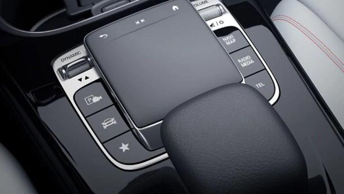2019 Mercedes-Benz A200 Sedan Progressive Line Interior 009
