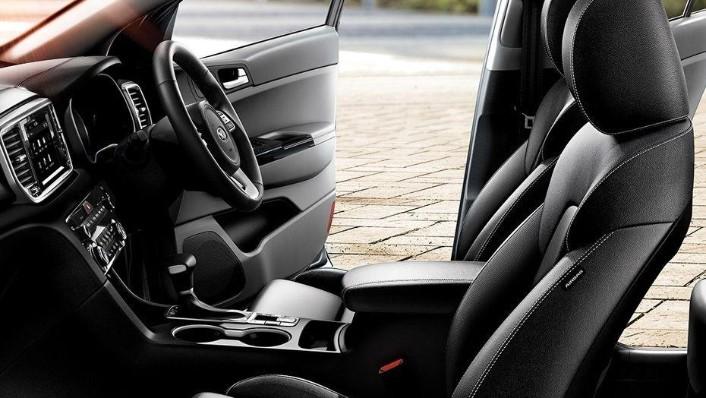 Kia Sportage (2018) Interior 007
