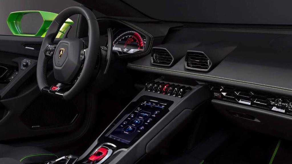 Lamborghini Huracán (2019) Interior 003