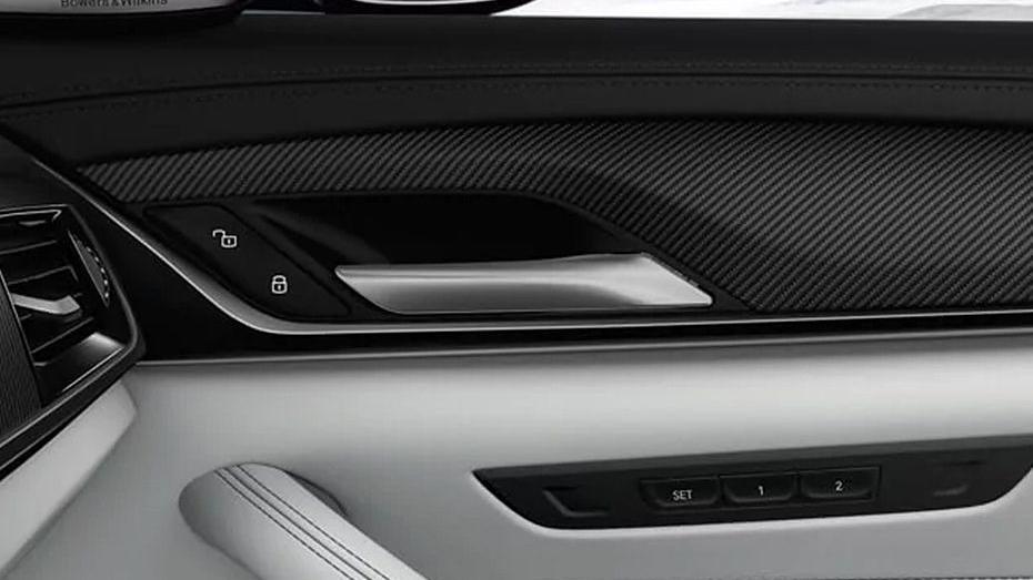BMW M5 (2019) Interior 011