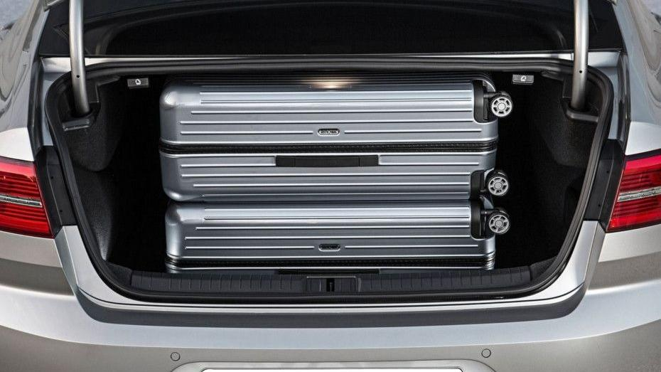 Volkswagen Passat (2018) Interior 014