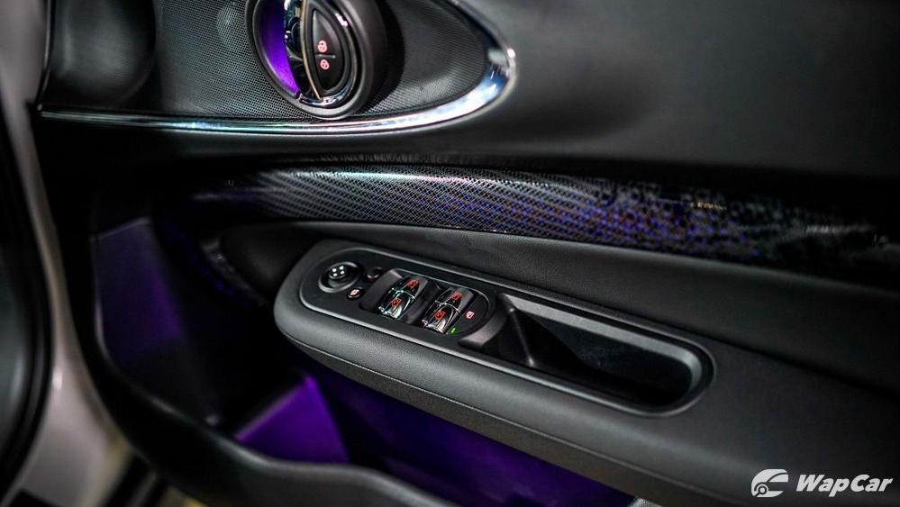 2019 MINI JCW Clubman Interior 007