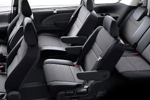 Top 3 things about Nissan Serena 2.0