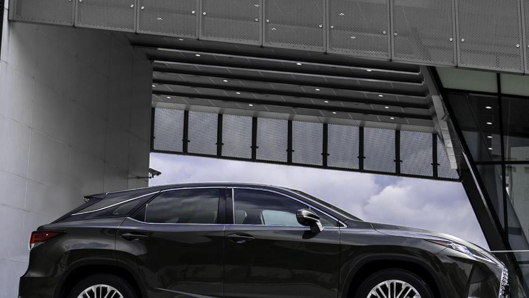 Lexus RX (2019) Exterior 010