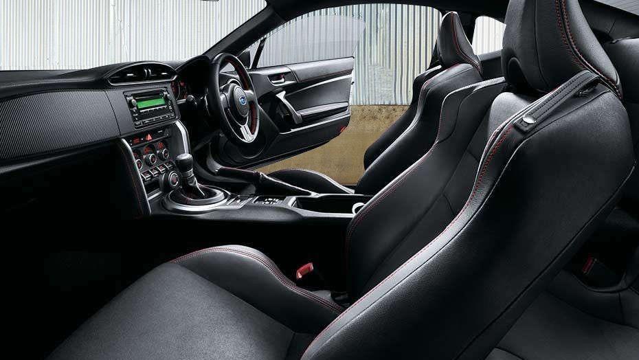 Subaru BRZ (2017) Interior 005