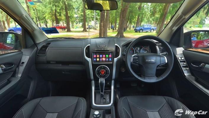 2019 Isuzu D-MAX 1.9L 4x4 AT-P Interior 001