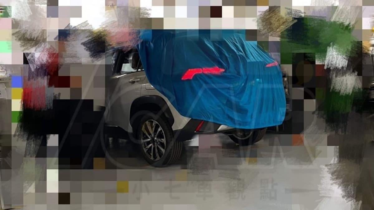 2020 Toyota Corolla Cross teased, 9-July global debut 01