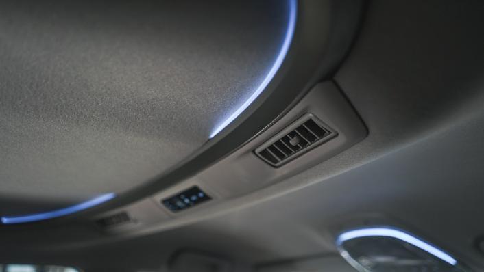 2021 Toyota Innova 2.0 X (AT) Interior 006
