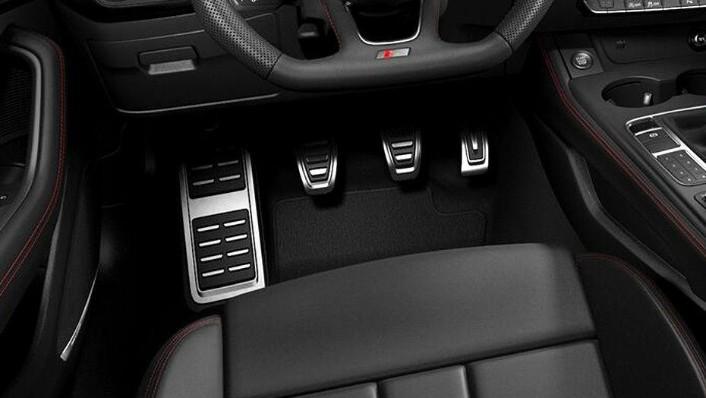Audi A4 (2019) Interior 007